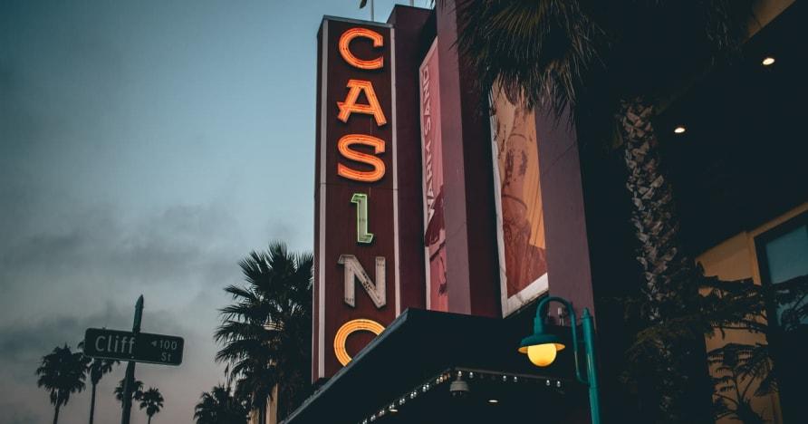 Online kasíno vs. Land-Based Casino - poznajte výhody
