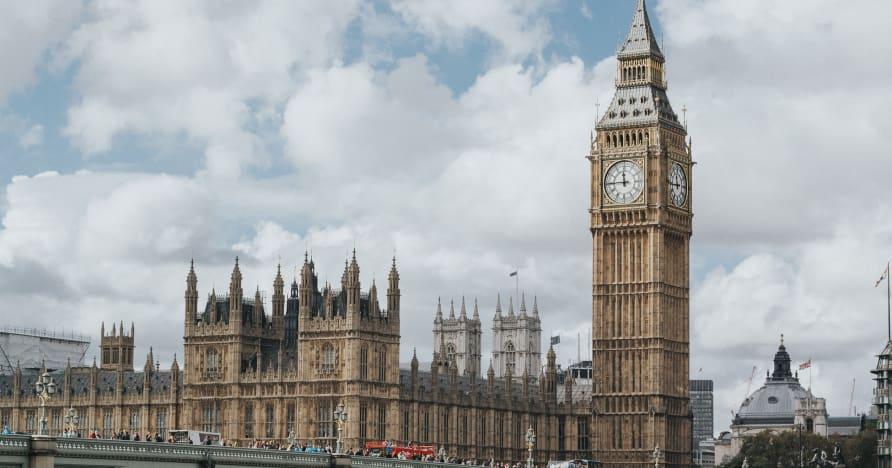 Prečo zmeny a doplnky podľa zákona o hazardných hrách v Spojenom kráľovstve z roku 2005 budú musieť počkať do roku 2022